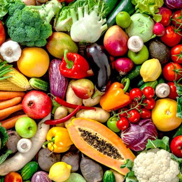میوه و سبزیجاتی که نباید داخل آبمیوه گیری ریخت