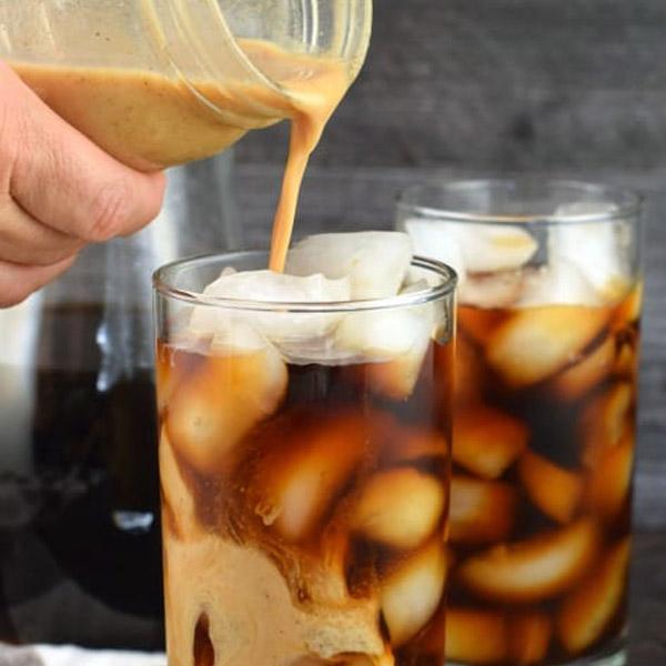 چطور با دانه های مغذی و یک عصاره گیر یک نوشیدنی شیرین و سرد درست کنیم